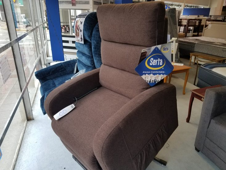 Serta Newton Power Lift Chair Closeouts in Pittsburgh